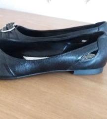 Nove nenošene niske cipele