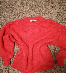 SADA 70!!Zara crveni oversized pulover