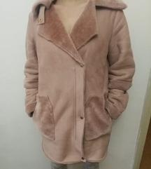 Stradivarius roza zimska bunda vel. S