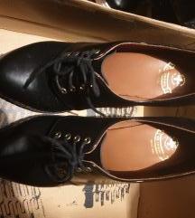 cipele na petu dr martens