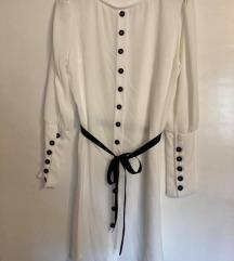 Lijepa bijela tunika sa dugmićima