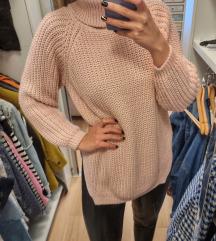 Rozi pulover 💗 novo