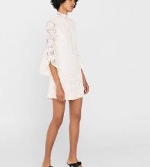 Tražim: mango bijela čipkasta haljina