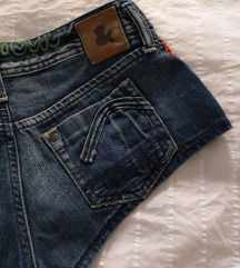 Kratke traper hlačice HM