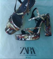 Piton Zara štikle na deblju petu i platformu 40