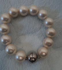 Narukvica od staklenih perli, kopča 925, 60kn