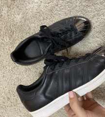 Adidas crne superstar