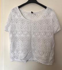Mrezasta bijela majica