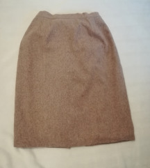 Topla suknja, puder roze boje