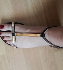 Crno zlatne sandale 40