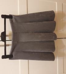 Siva plisirana suknja
