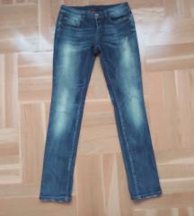 Ženske hlače, traperice, vel. 38, W28 L32