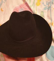 Zara šešir