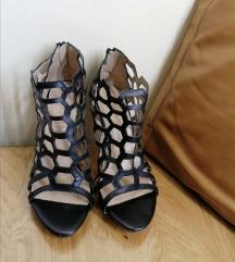 Crne sandale na petu - s poštarinom