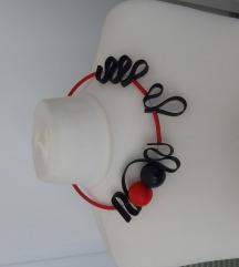 Ogrlica od gume s drvenim kuglicama