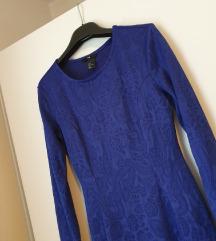 Plava haljina s uzorcima