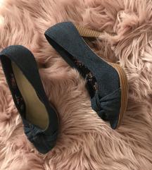 Nove sandale s masnom