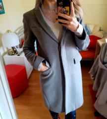 BENETTON sivi kaput