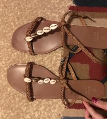 Ravne ljetne sandale