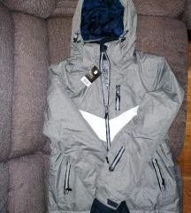 Novo sivo žensko ski odijelo s etiketom