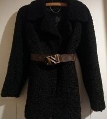 astrahan crna bunda pravo krzno