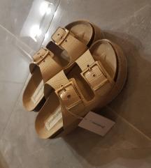 Stradivarius sandale ( natikace)
