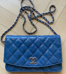 Chanel wallet on chain - woc - patent leather
