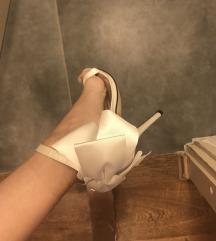 Predivne sandale s mašnom