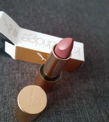 Velvet Muse - True Velvet Lipstick | Lisa Eldridge
