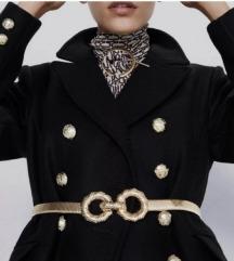 Zara crni kaput xs