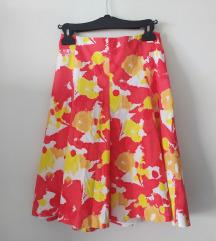 Šarena suknja u retro stilu