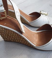 Zara bijele sandale  puna peta,plutarice