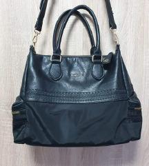 Nova Desigual crna hobo torba s džepovima