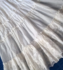 Duga bijela čipkana suknja 38/40