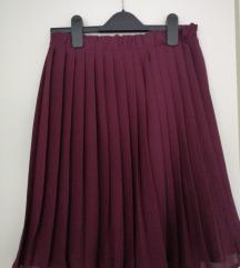 Pilsirana suknja do koljena boje vina