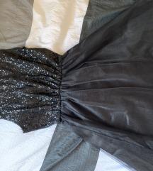 Šljokičasta crna haljina