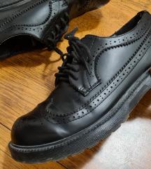 Crne cipele oksfordice
