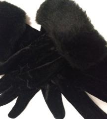Fine plišane rukavice s krznom