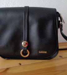 Crna čvrsta torbica