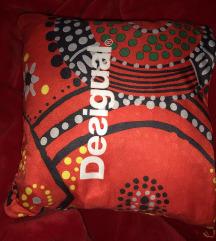 Desigual jastuk/prekrivac