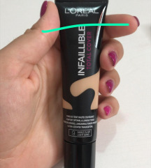 Puder infaillible total cover 9 light sand