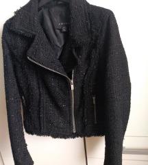 bukle crna jakna