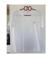 Bijela majica sa srcem