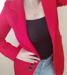 Crveni kaputić