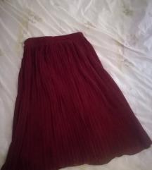 Crvena plisirana suknjica