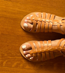 Elina Linardaki sandale