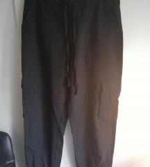 Zara cargo hlače sa džepovima