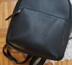 Primark crni ruksak
