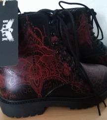 Nove crne  gothic kožne čizme vel. 38 🧡
