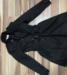 STRADIVARIUS crni baloner mantil, trench coat, M